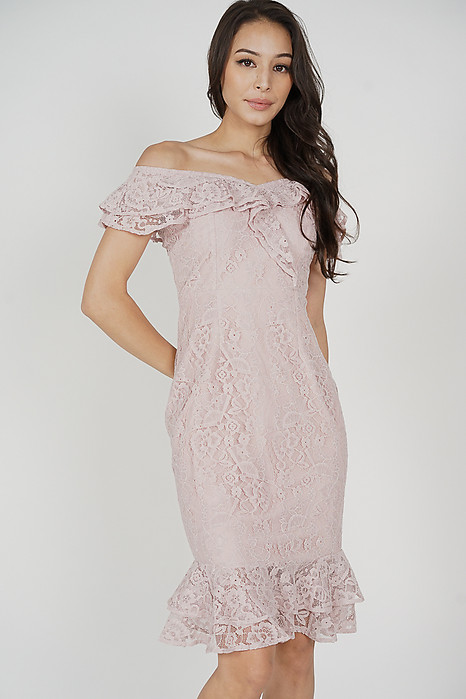 Saria Flounce Lace Dress in Pink