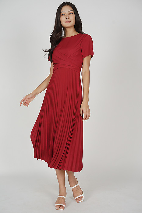 Berni Criss Cross Pleated Dress in Maroon
