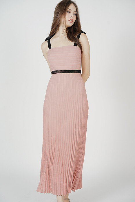 Juanie Pleated Dress in Pink