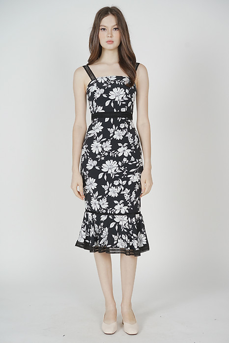Welris Ruffled-Hem Dress in Black Floral
