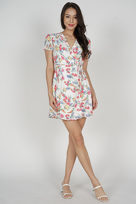 Katy Tie Wrapped Dress in White Red Floral