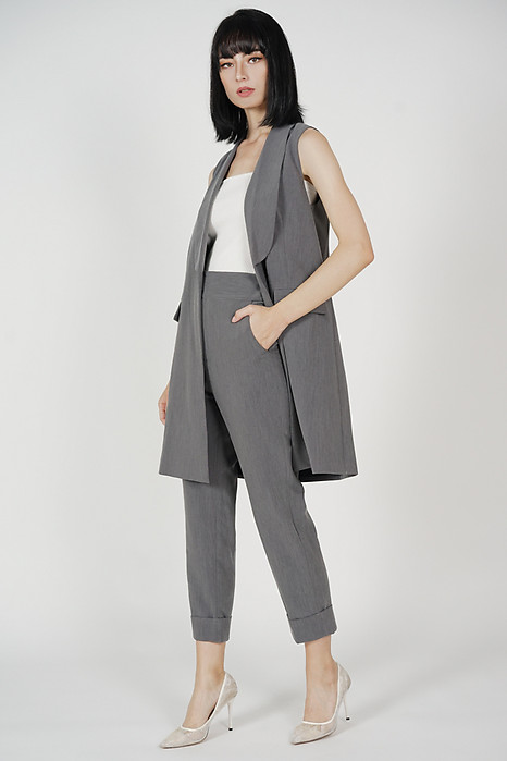 Zakari Long Vest in Grey