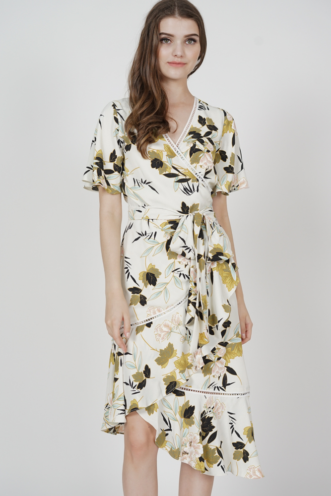 Reika Tie Wrapped Dress in Cream Floral