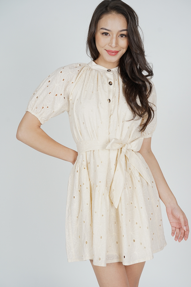 Hellin Buttoned Dress in Cream