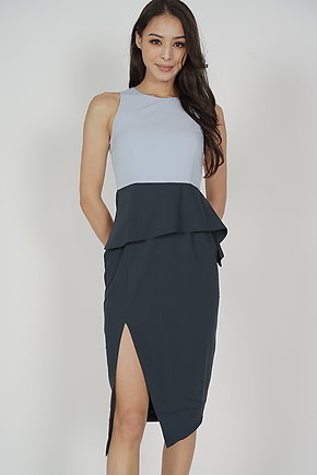 Jolie Contrast Peplum Dress in Ash Blue