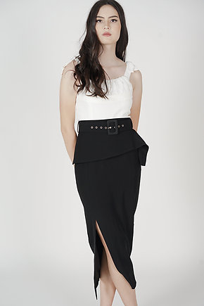 Biryo Fold-Over Skirt in Black